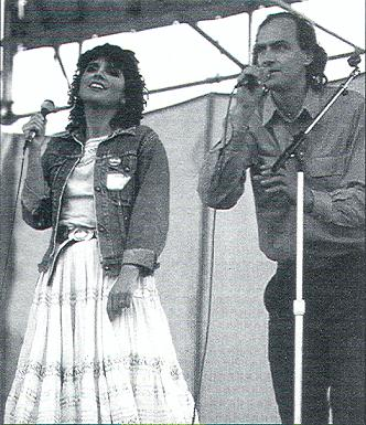 Linda Ronstadt and James Taylor