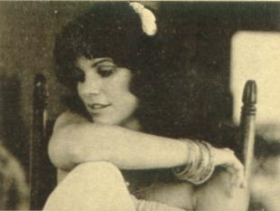 Linda Ronstadt: a pop perfectionist trying to make it as a rocker.